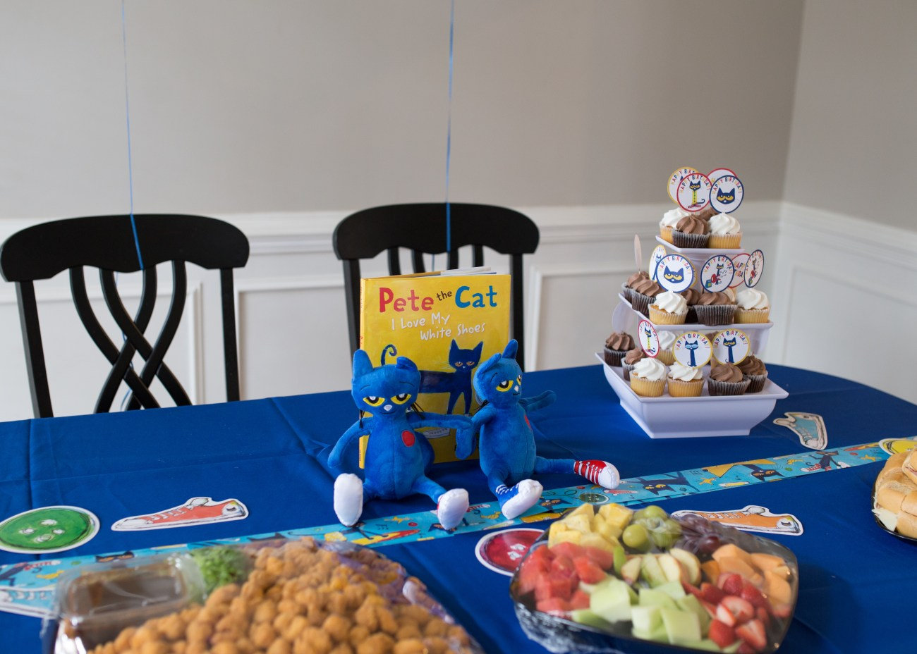 Pete the cat diy decorations birthday party food table
