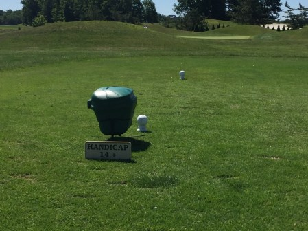 1st tee box gives guidance for which tees to hit from.