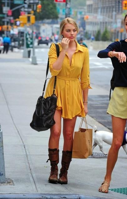 Margot-Robbie-casual-style-653x1024