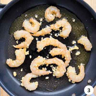 saute prawns on medium/high heat