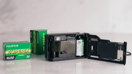 fujifilm natura black f1.9 product photos-2