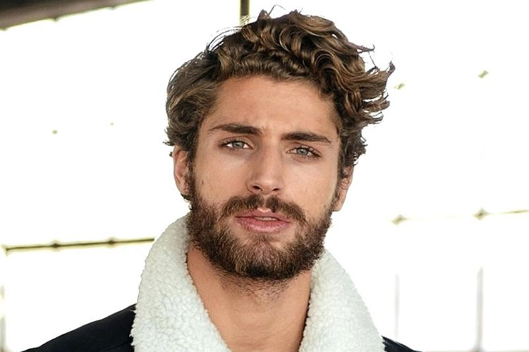 Curly-Hairstyles-For-Men