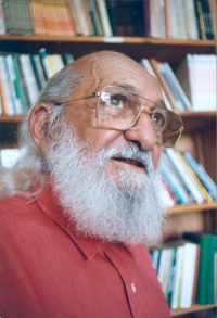 Color photograph of Paulo Freire
