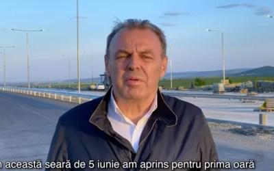 Un deputat aprinde becurile prin Bacău