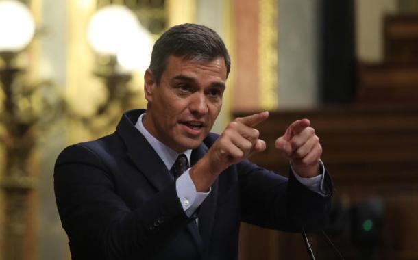 بيدرو سانشيز يغير موقفه من فنزويلا، ويعتبر غوايدو زعيما للمعارضة .