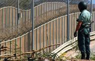 مقتل مهاجر في محاولة الهجوم على السياج الحدودي في مليلية.