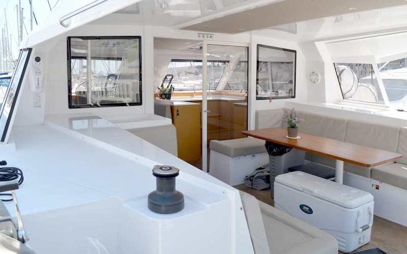 Yacht, catamaran and sailboat charter