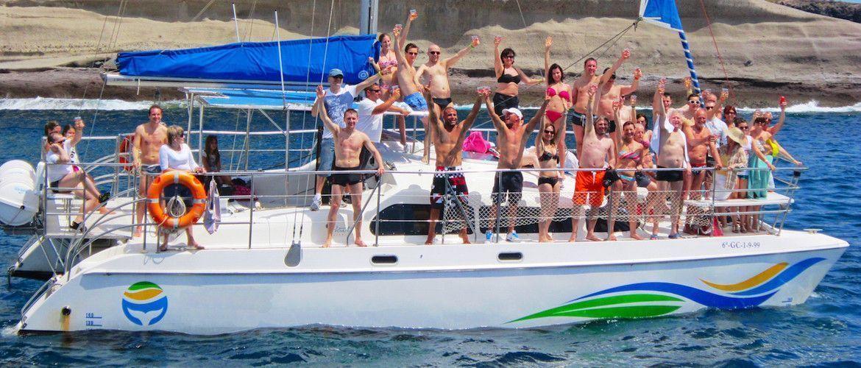 Tenerife boat party, las mejores excursiones en barco en el sur de Tenerife con Musibodas: grupos, familias, empresas y despedidas
