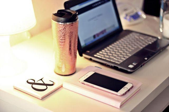 fashion blogger essentials