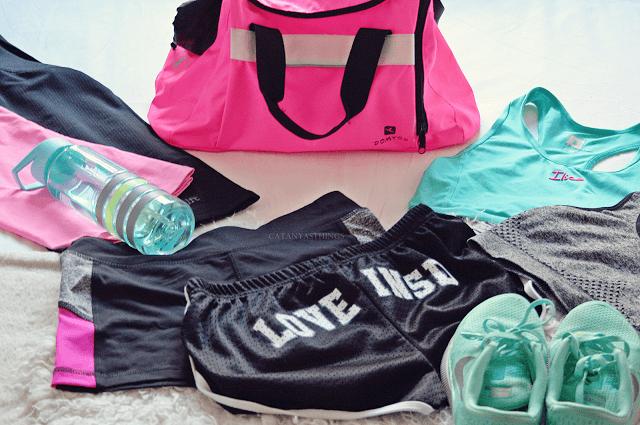 qué llevar en la bolsa del gimnasio