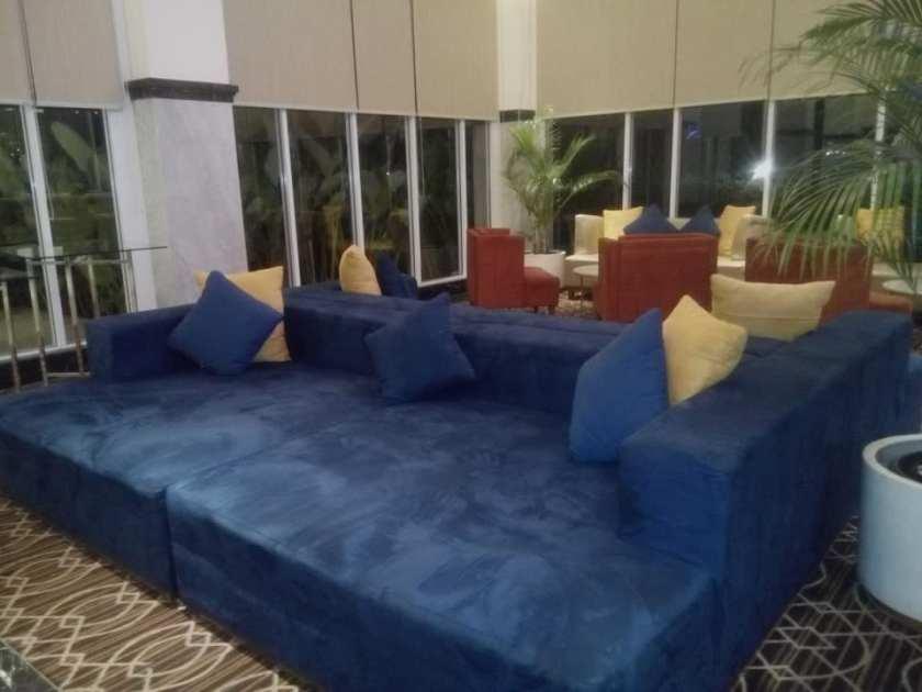 lobby hotel horison ciledug