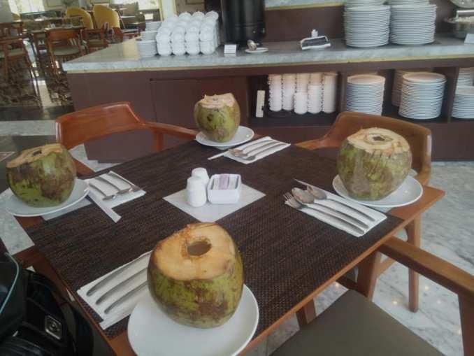 makan siang di hotel horison ciledug