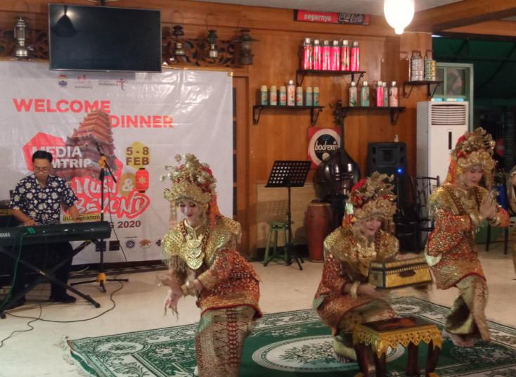 Tari Sambut Palembang Darussalam