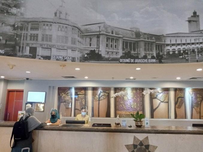 resepsionis hotel arcadia