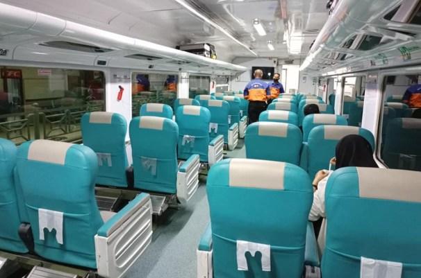 kereta api dharmawangsa
