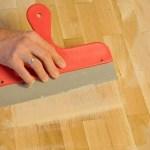 penggunaan dempul kayu