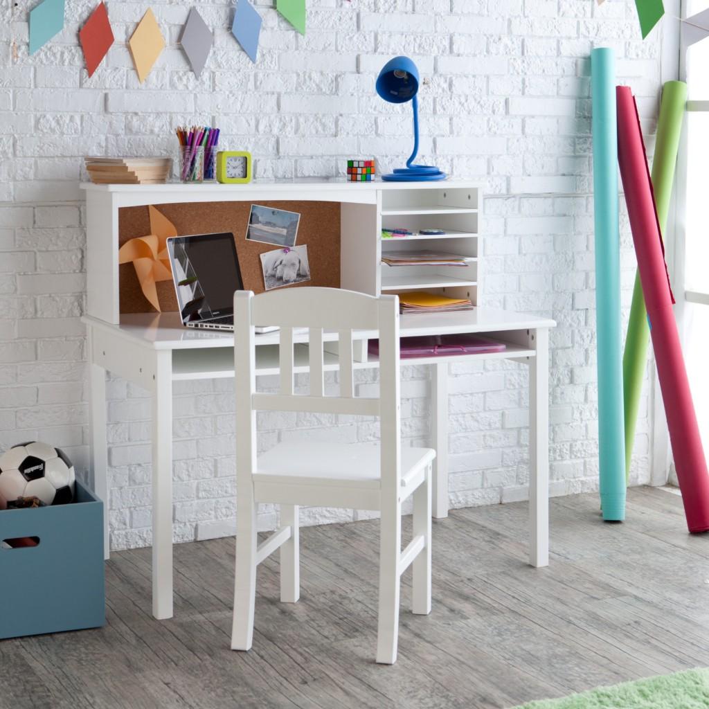cat-dasar-kayu-interior