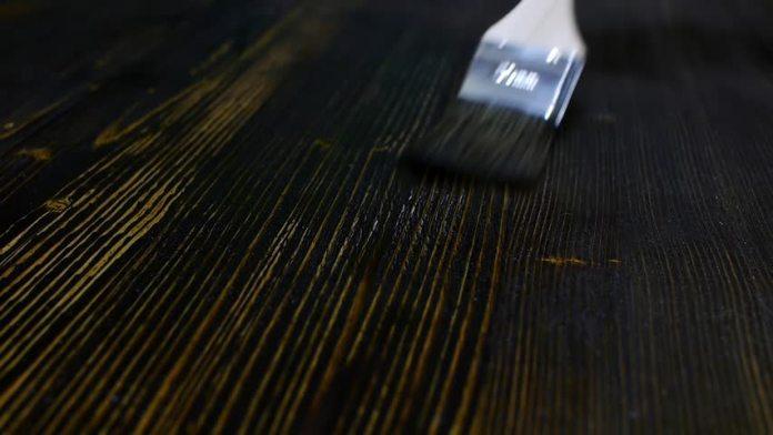 cat-kayu-kuas-untuk-furniture