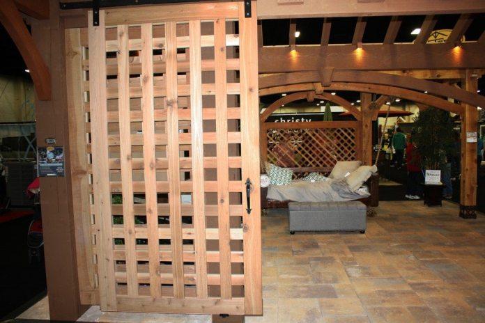 teralis pintu kayu spacestock