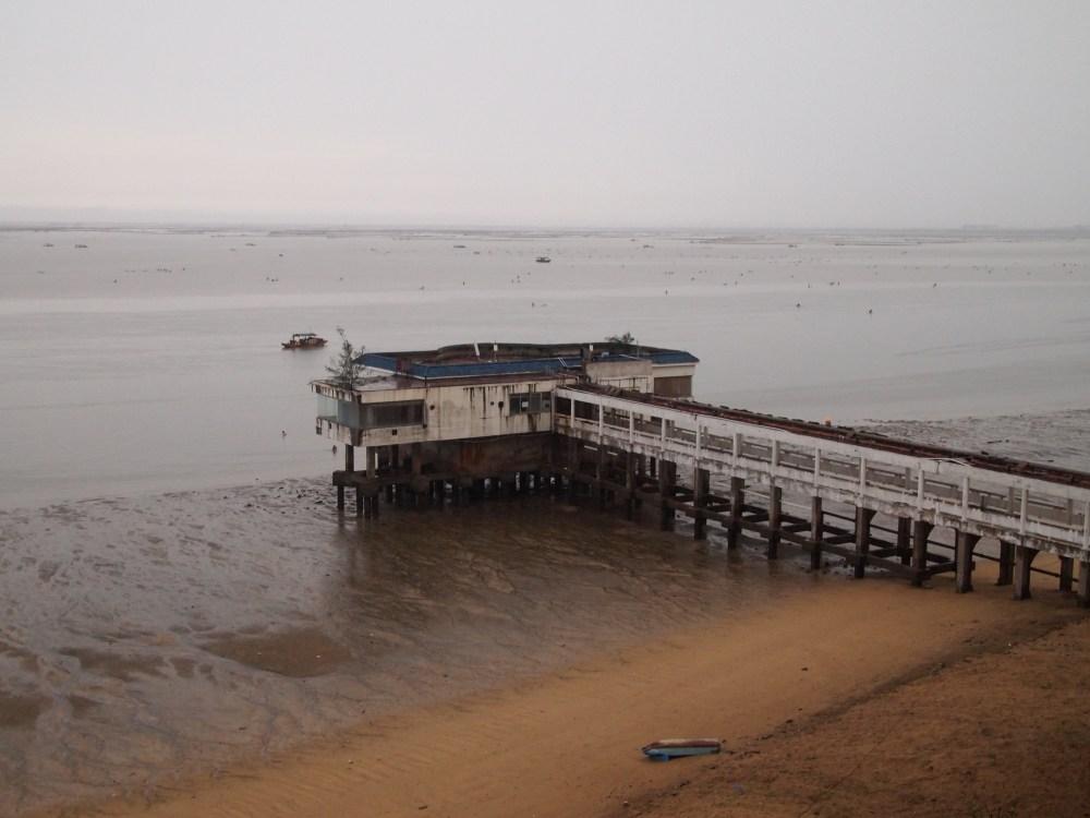 a foggy morning on beibu gulf, a ferry ride to weizhou island & a visit to saint maria church (3/6)