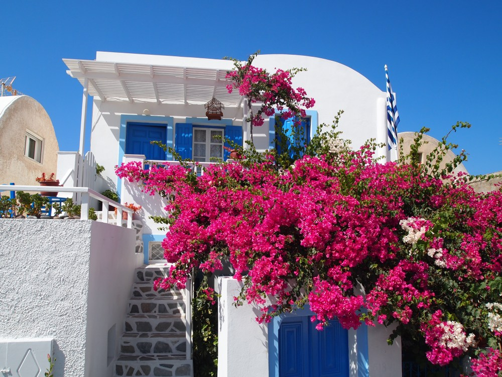 the picturesque village of oia, santorini.  {chapter one}. (6/6)
