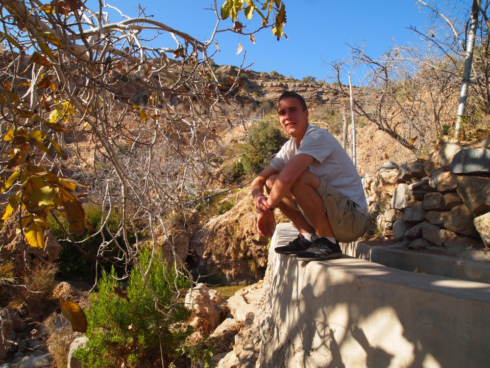 a hike around the hanging villages of wadi al ayn on jebel akhdar (6/6)