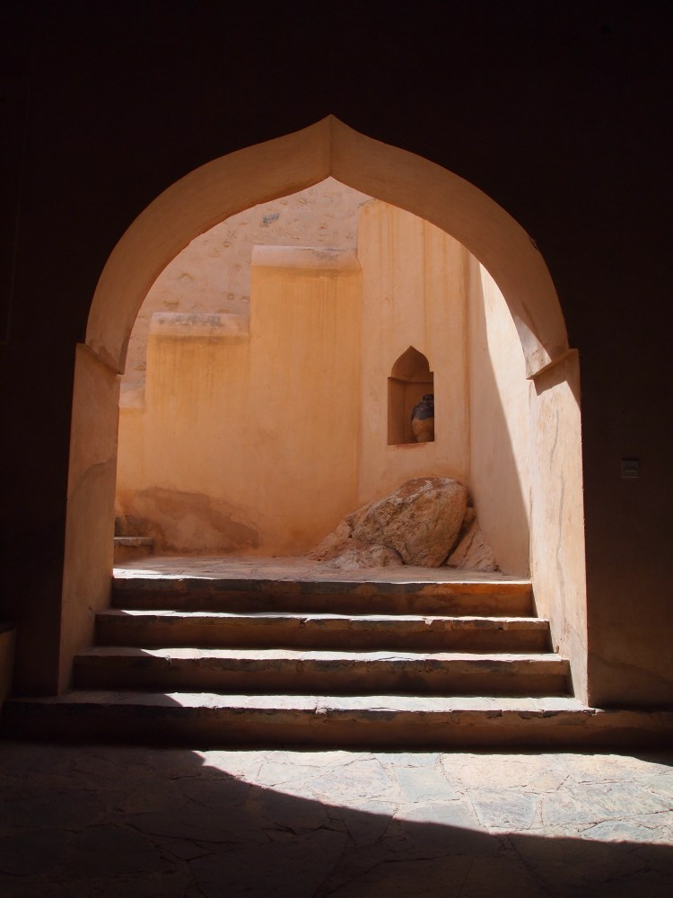 the rustaq loop: nakhal fort & ain a'thawwarah hot springs. {1st stop} (3/6)