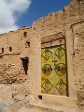 entrance to another mudbrick house in Al Hamra
