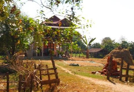 exploring the fringes of siem reap: beng mealea, kbal spean & banteay srei (3/6)