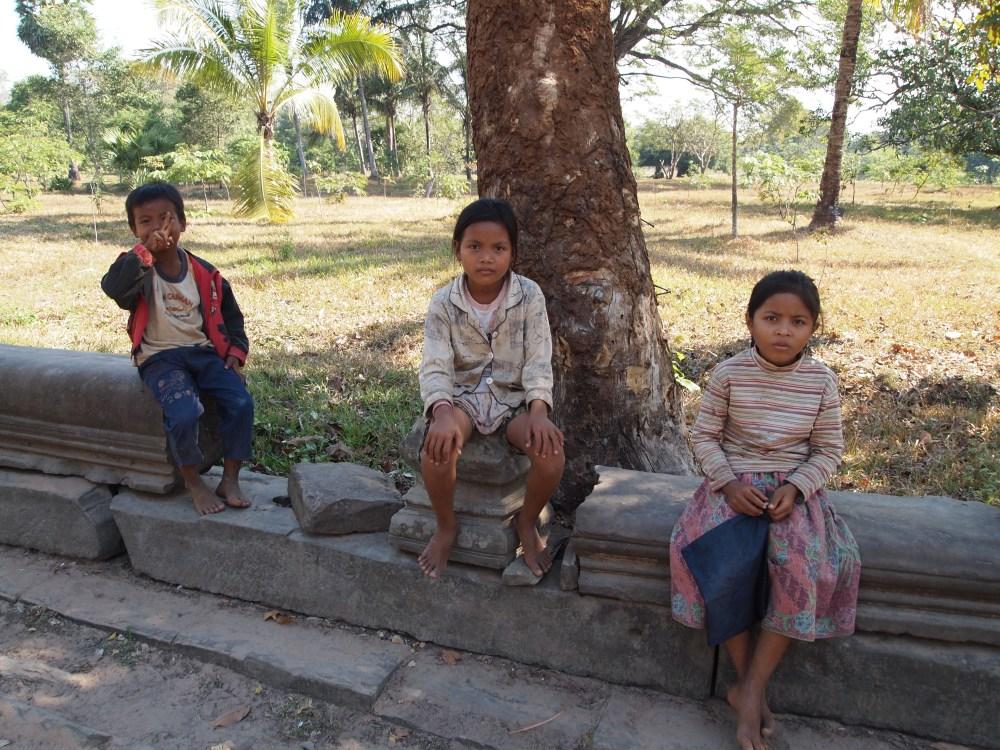 exploring the fringes of siem reap: beng mealea, kbal spean & banteay srei (4/6)