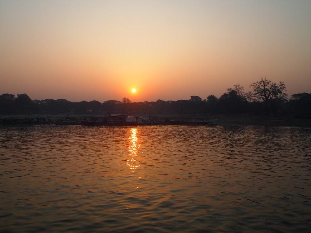 a slow cruise down the ayeyarwady river from mandalay to bagan (2/6)