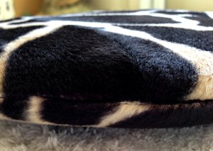 Close up of the 2forksdesign catbutt catbed