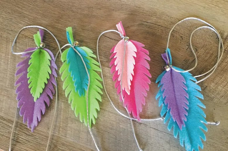 colorful feathers homemade cat toys