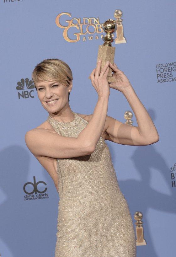 Robin-Wright-Ben-Foster-Golden-Globes-2014 www.catcherinthestyle.com
