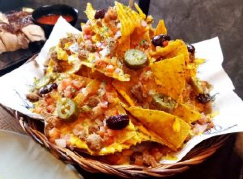 Communeaty Eats : Nachos Pollo
