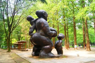 The breastfeeding Statue