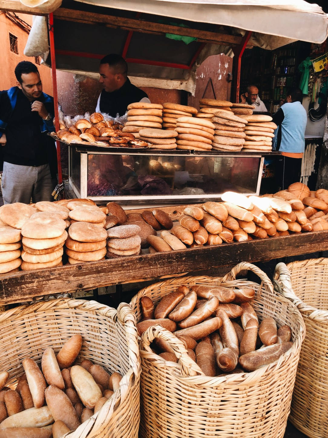 bread in souks.JPG