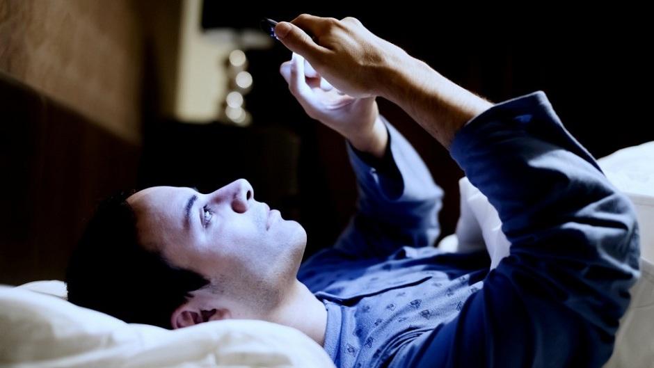 How Smartphone Keep You Awake. Image Source: YouTube