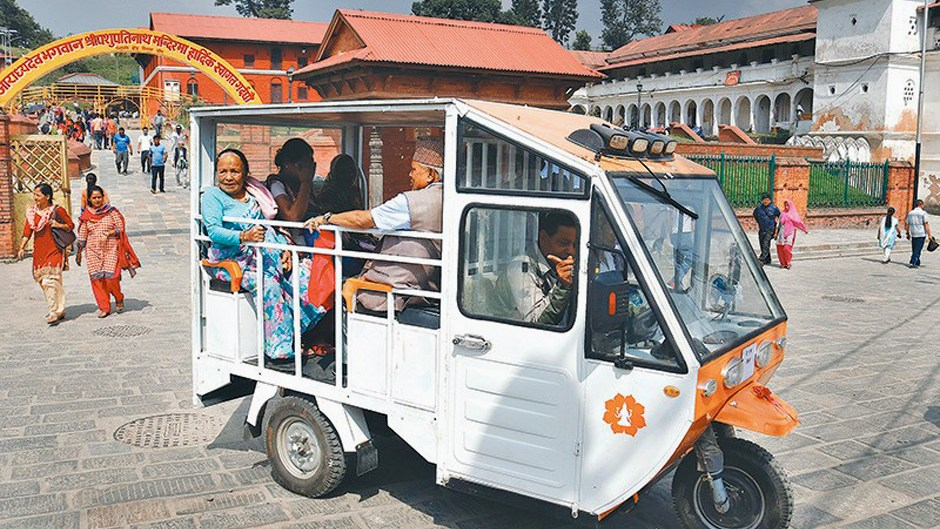 Free Rickshaw Service for Elderly Pilgrims at Pashupatinath Temple. Image Source: The Kathmandu Post