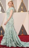 31A9DD8A00000578-3453512-Hello_petal_Cate_Blanchett_showcased_her_quirky_style_in_a_pale_-m-66_1456707397623