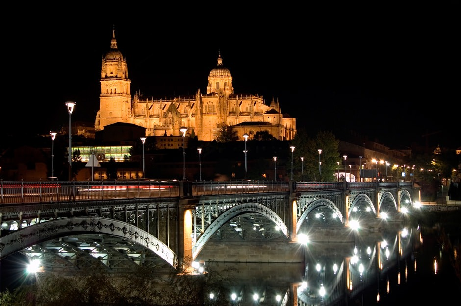 Catedral de Salamanca de noche