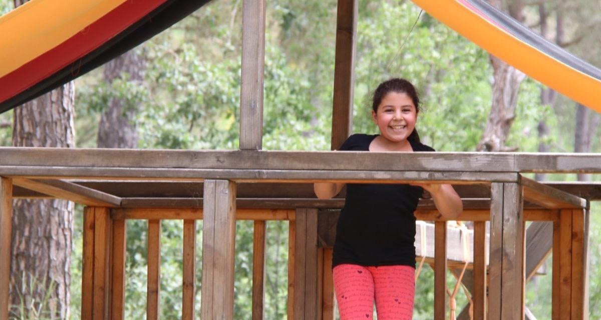 Campamentos de verano con los niños cristianos de Siria