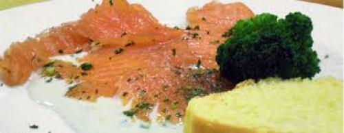 salmone al te affumicato