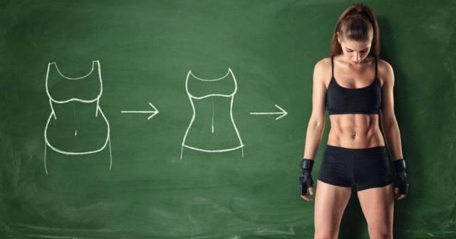 esercizi per sentirsi in forma con del fitness a casa.