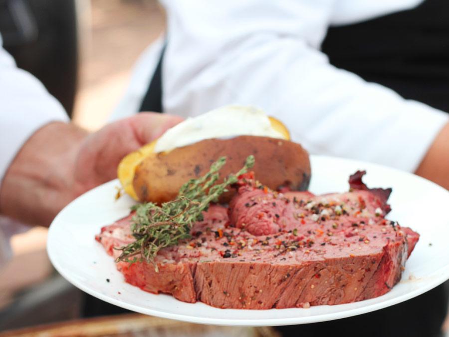 Freesisch Ochs, frisch aus dem Smoker zur VIP Hospitality am Hamburger Rothenbaum