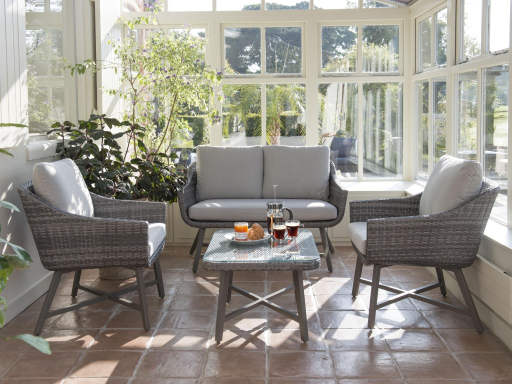 Kettler outdoor furniture - LaMode 2 seater lounge