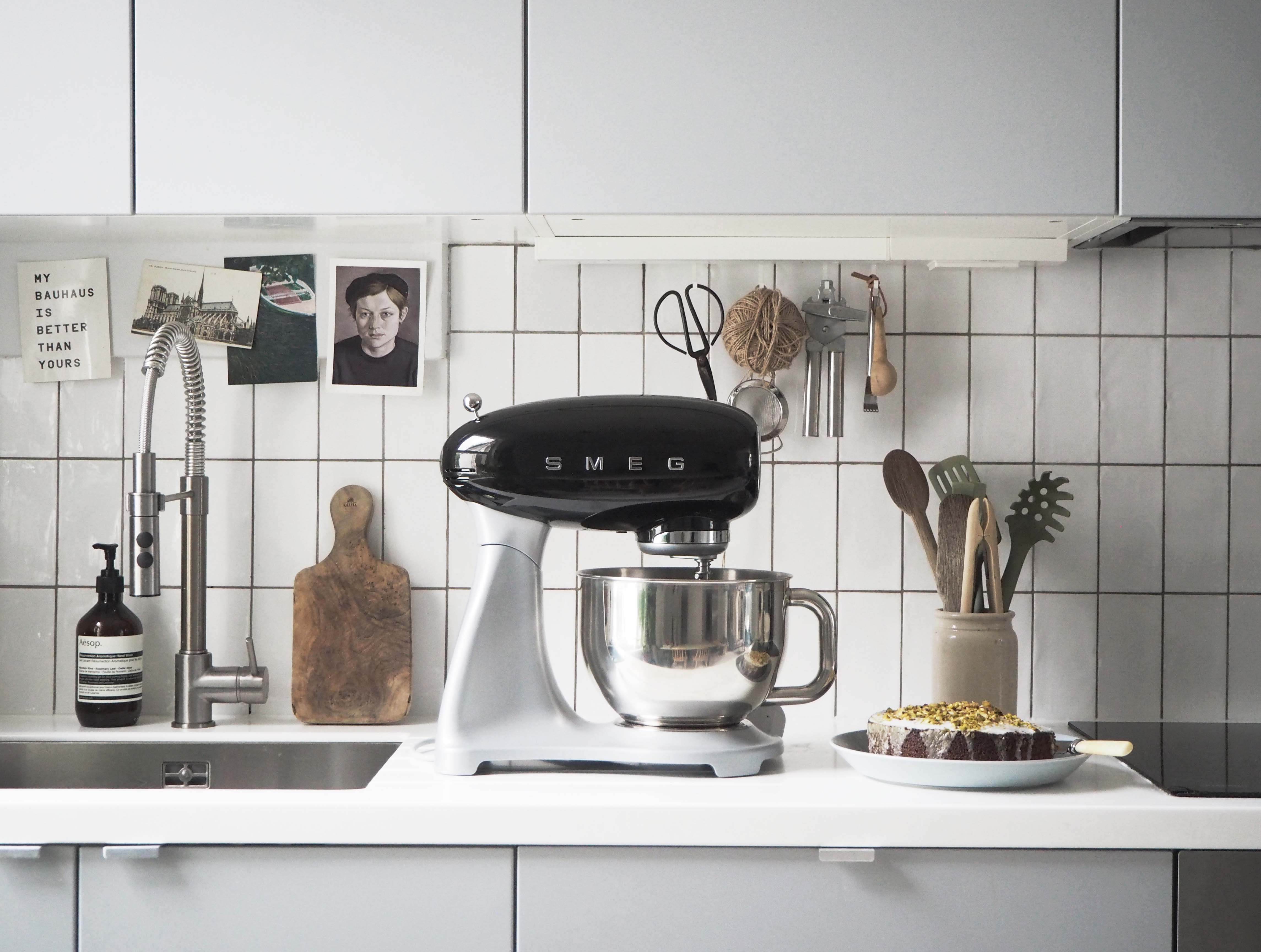Simple kitchen style: Smeg Stand Mixer review - cate st hill