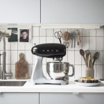 Simple kitchen style: Smeg Stand Mixer review