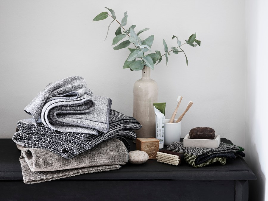 Simple everyday objects from Manufactum - bathroom products