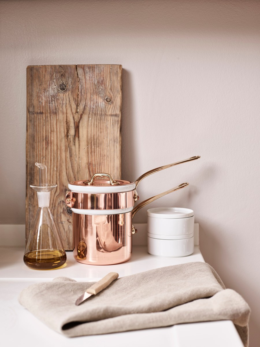 Simple everyday objects from Manufactum - copper pans and kitchen details